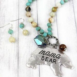 Jewelry - Mama bear necklace 🐻